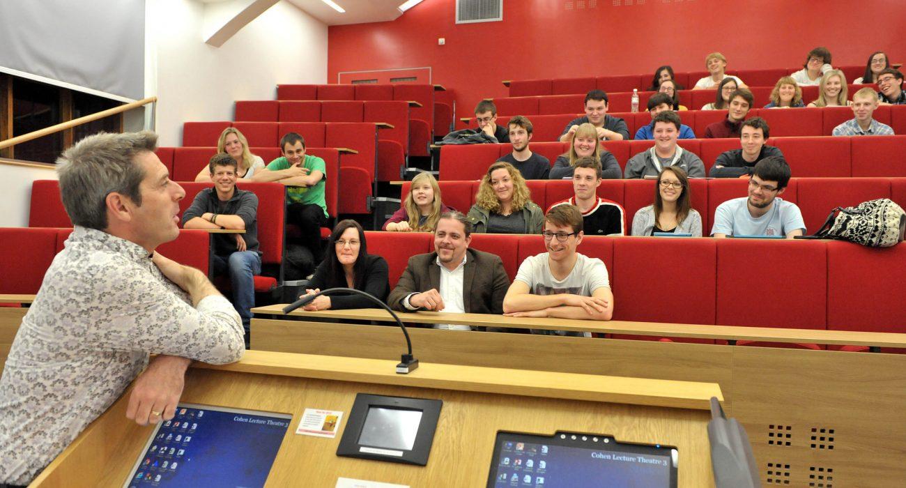 Photo: Hull Uni Science @ Flickr