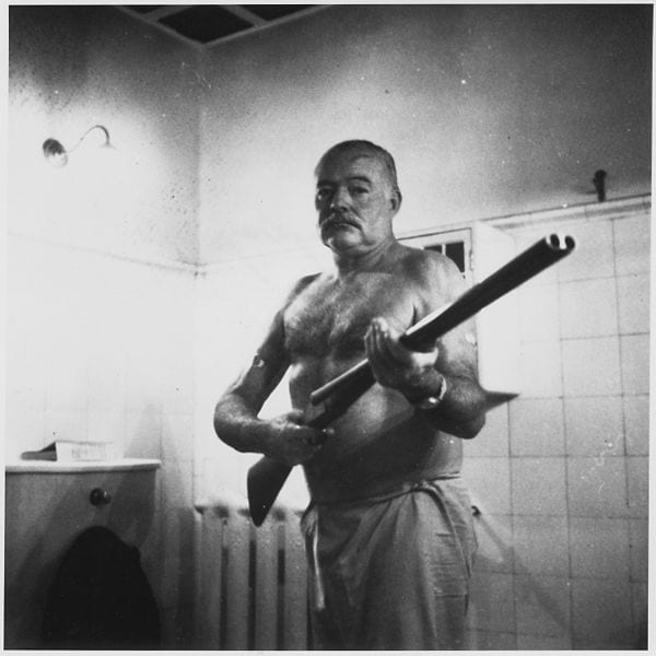 Photo: Ernest Hemingway at the Finca Vigia, Cuba @ Wikimedia Commons