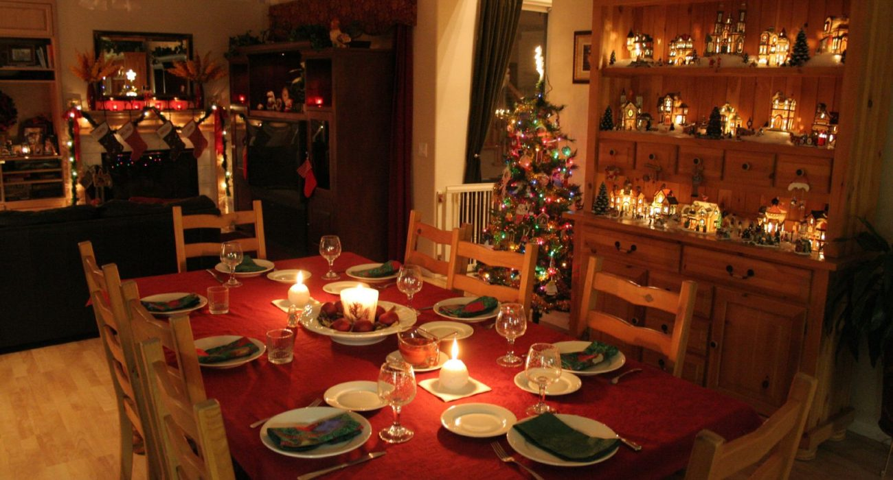 A short moment of enjoyable decadence through in our stressful modern lives, Christmas dinner awaits you. Photo: chrisisphoto @Flickr