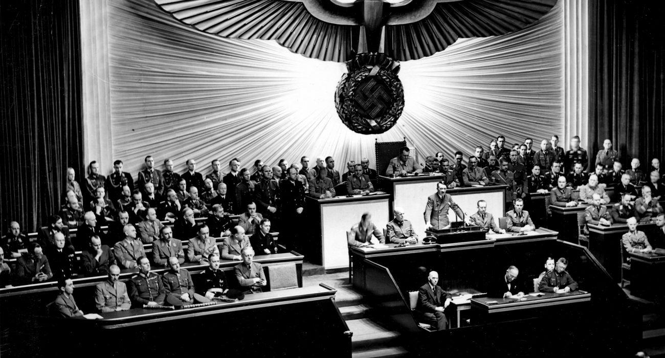 Photo: Bundesarchiv @ wikimedia commons