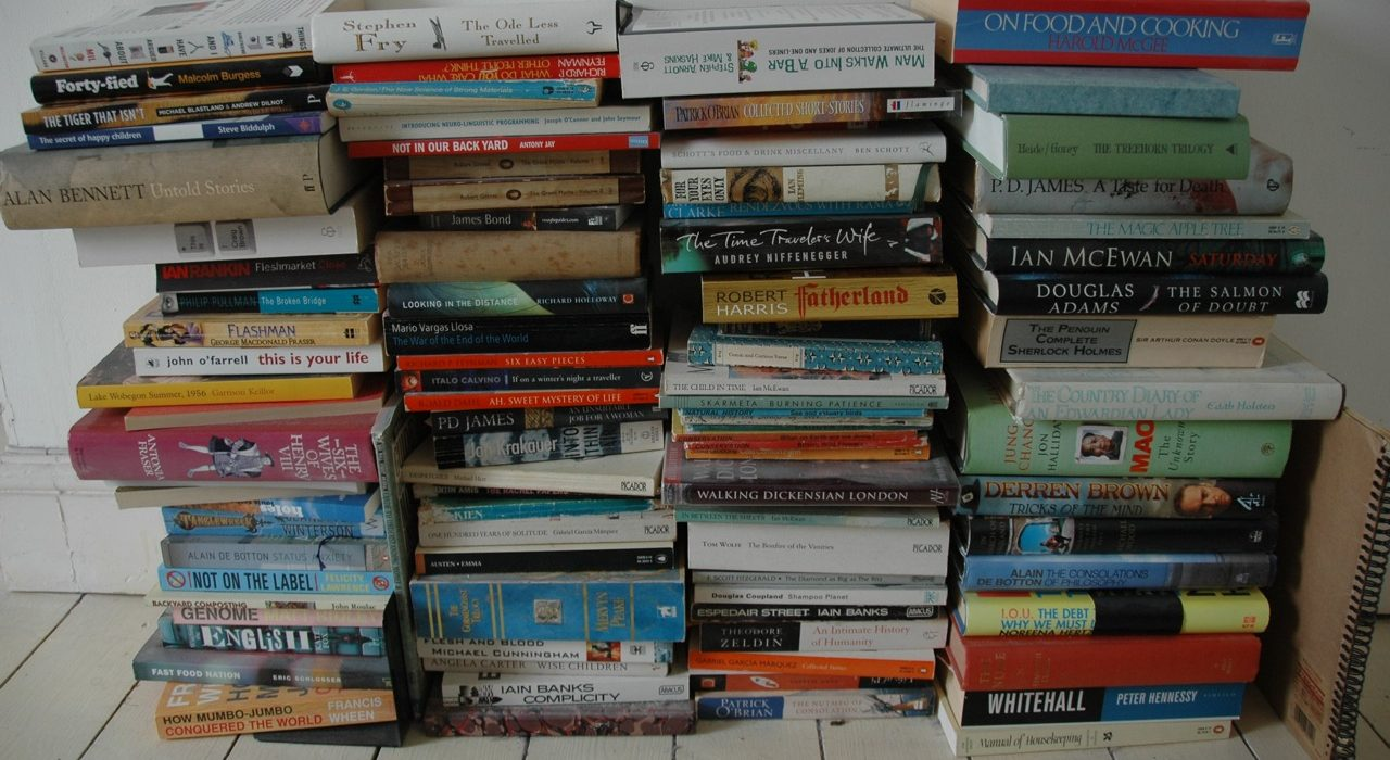 Average weekly reading for an English student. Photo: Henry... @Flickr