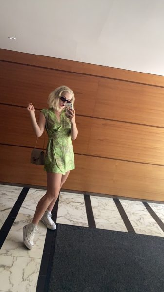 Vintage green dress styling combination