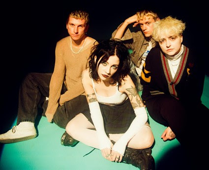A press shot of Pale Waves