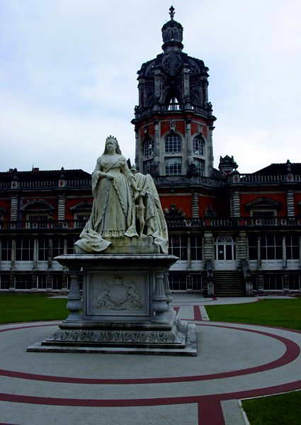 The Queen Victoria statue at Royal Holloway. Photo: Ian Taylor