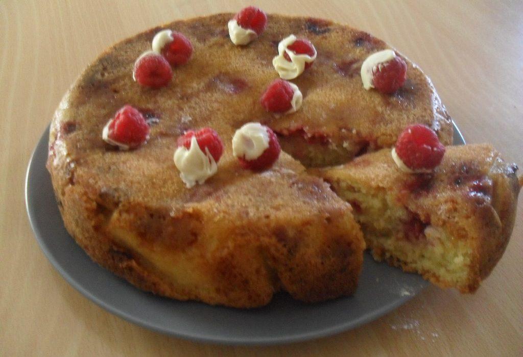 White Chocolate and Raspberry Cake