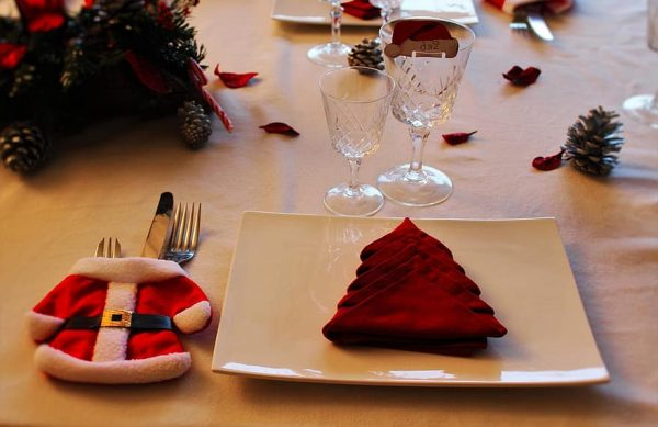sustainable Christmas table setting