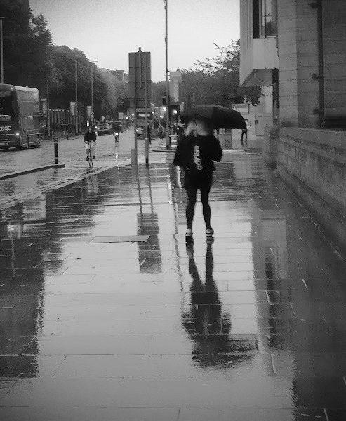 Photo: Girl with umbrella, Rosa Simonet