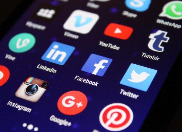 Social Media Photo: pixelkult @pixabay