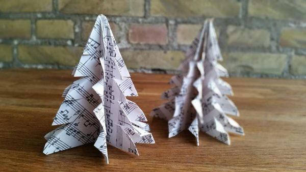 Hand-made sustainable Christmas decorations